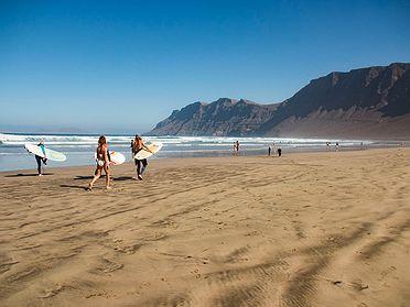 Las playas de Lanzarote para practicar surf
