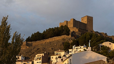 Segura de la Sierra (Jaén): un castillo rodeado de olivares