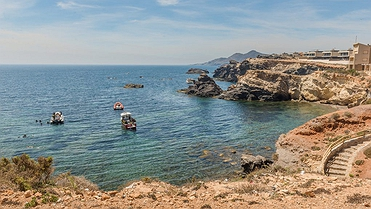 Cabo de Palos: en busca de playas desiertas y barcos hundidos