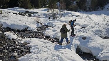 Raquetas de nieve en la Vall de Boí Taüll (Lleida)