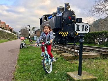 Ruta en familia por la Vía Verde del Valle del Pas en bici (Cantabria)