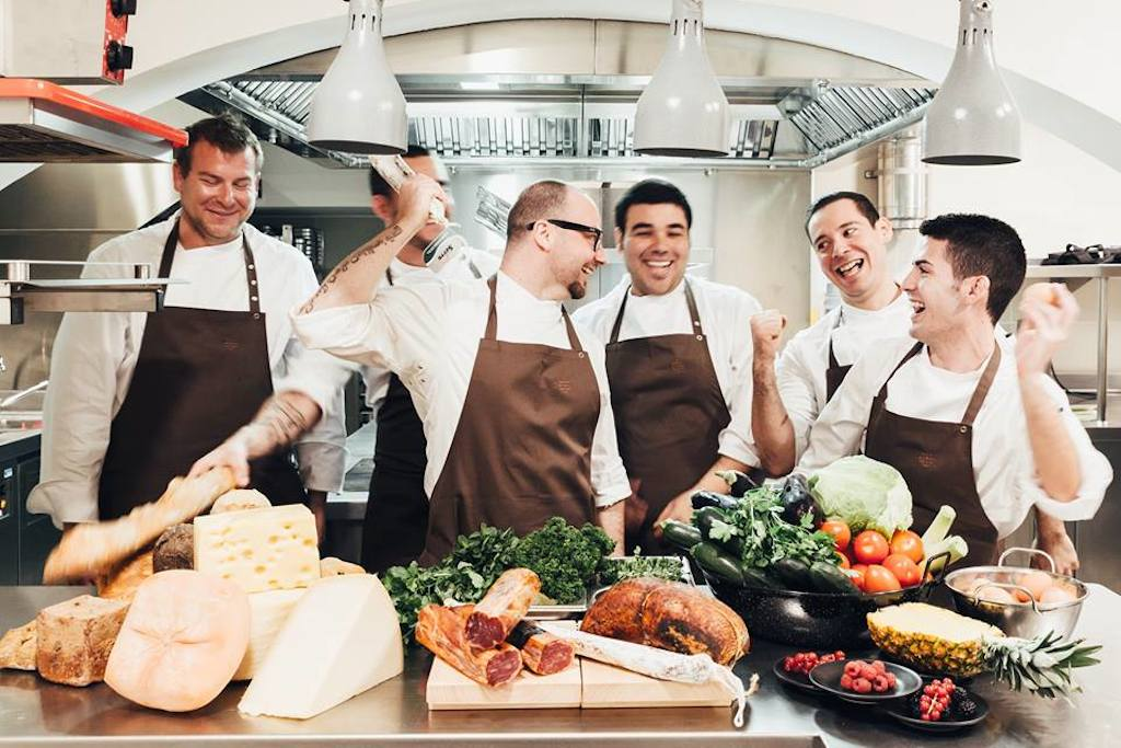 ¡Fiesta en la cocina! Restaurante la Quadra en el Hotel Sant Francesc.