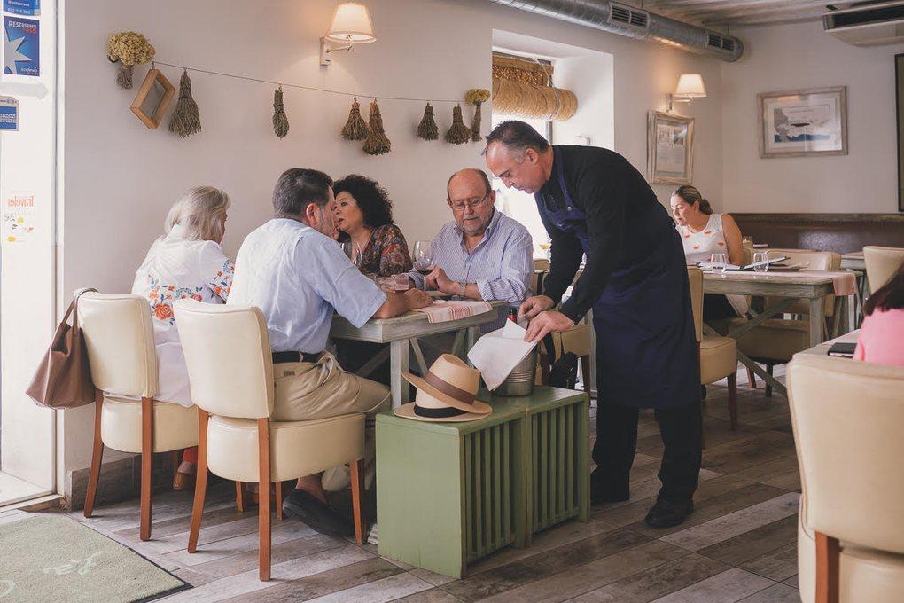 Entre la clientela, los lunes es habitual encontrar a profesionales del sector gastronómico de Málaga.