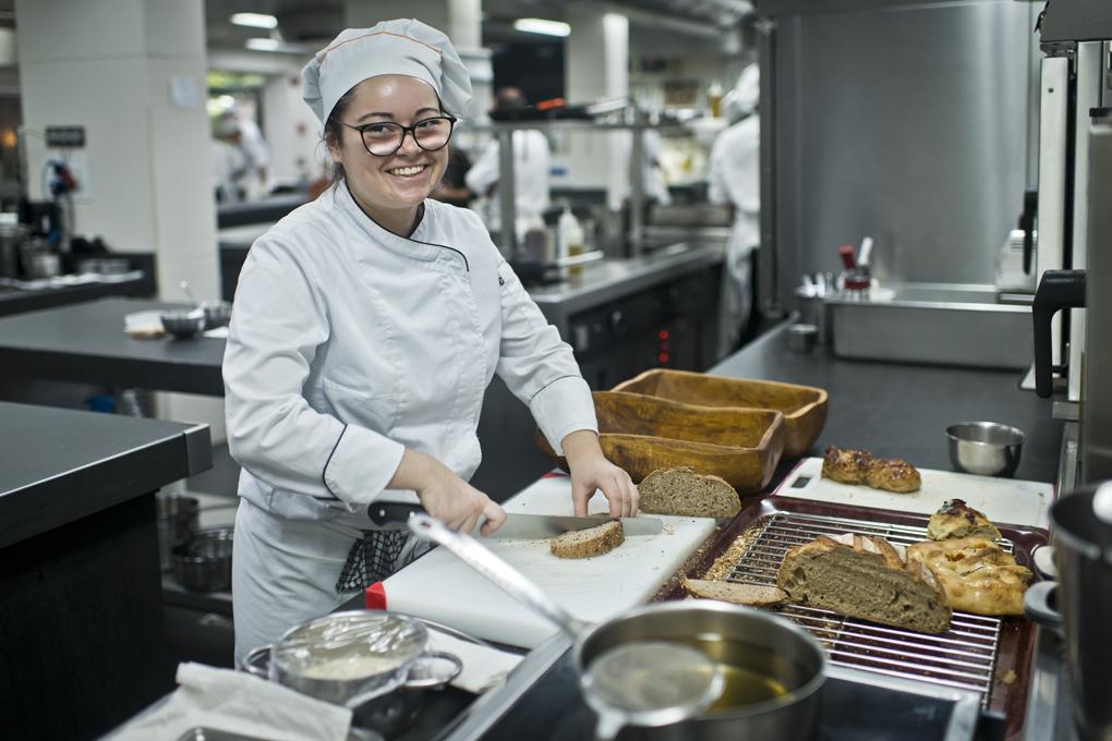 La satisfacción por trabajar al lado de Berasategui se palpa en la cocina.
