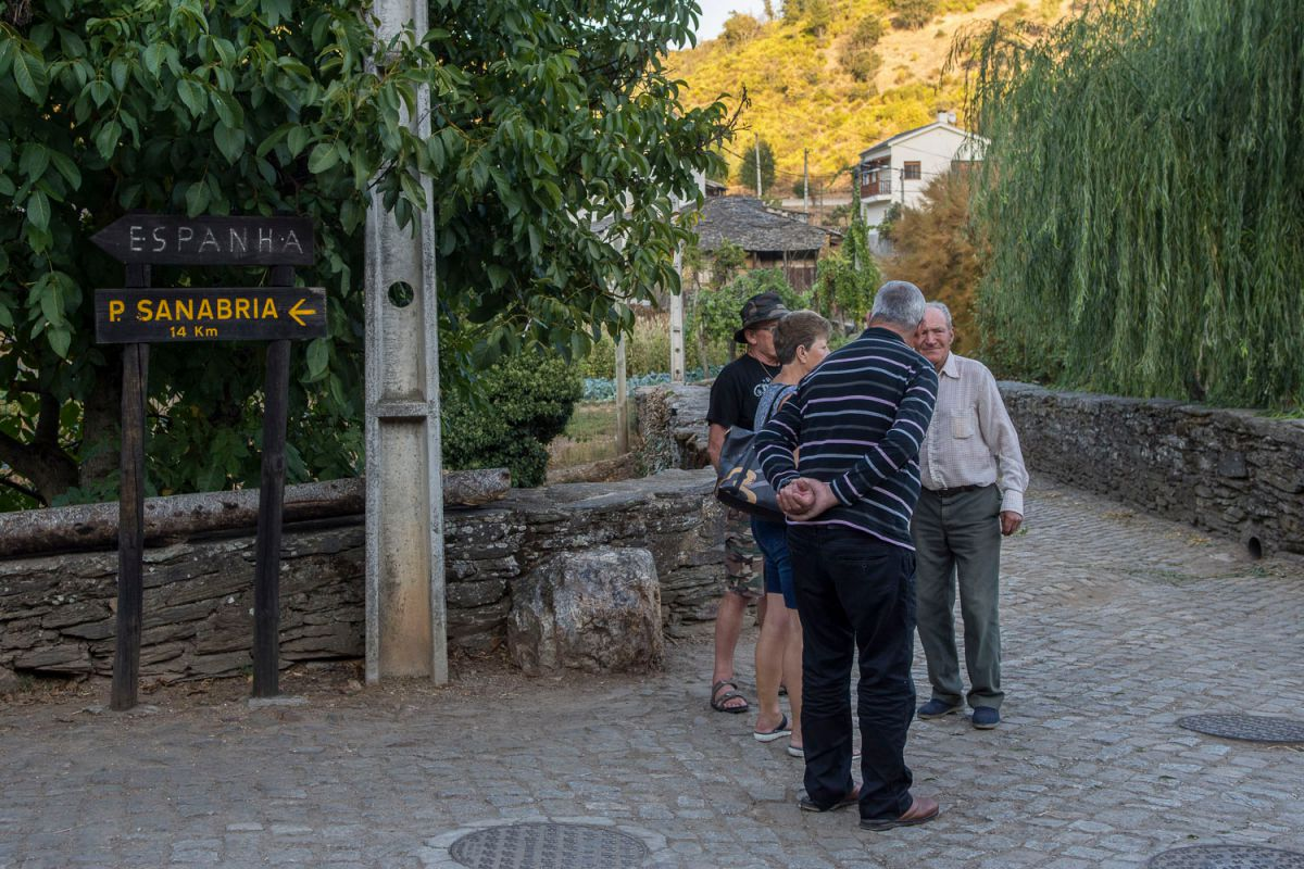 El puente de piedra, frontera entre Rionor de Castilla y Rio de Onor de Portugal. Foto: Manuel Ruiz Toribio