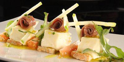 Plato de anchoas a degustar en este restaurante cántabro.
