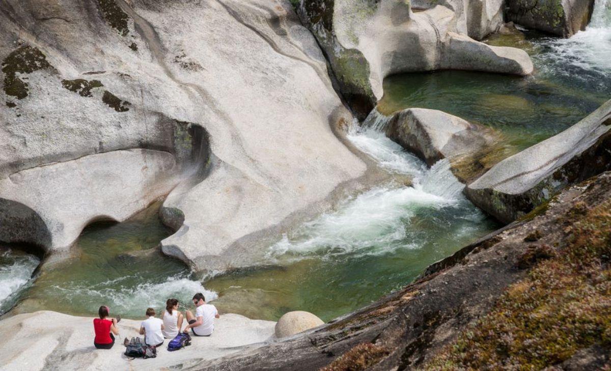 Las aguas de Los Pilones bajan heladas, aunque sea pleno verano. Foto: Hugo Palotto