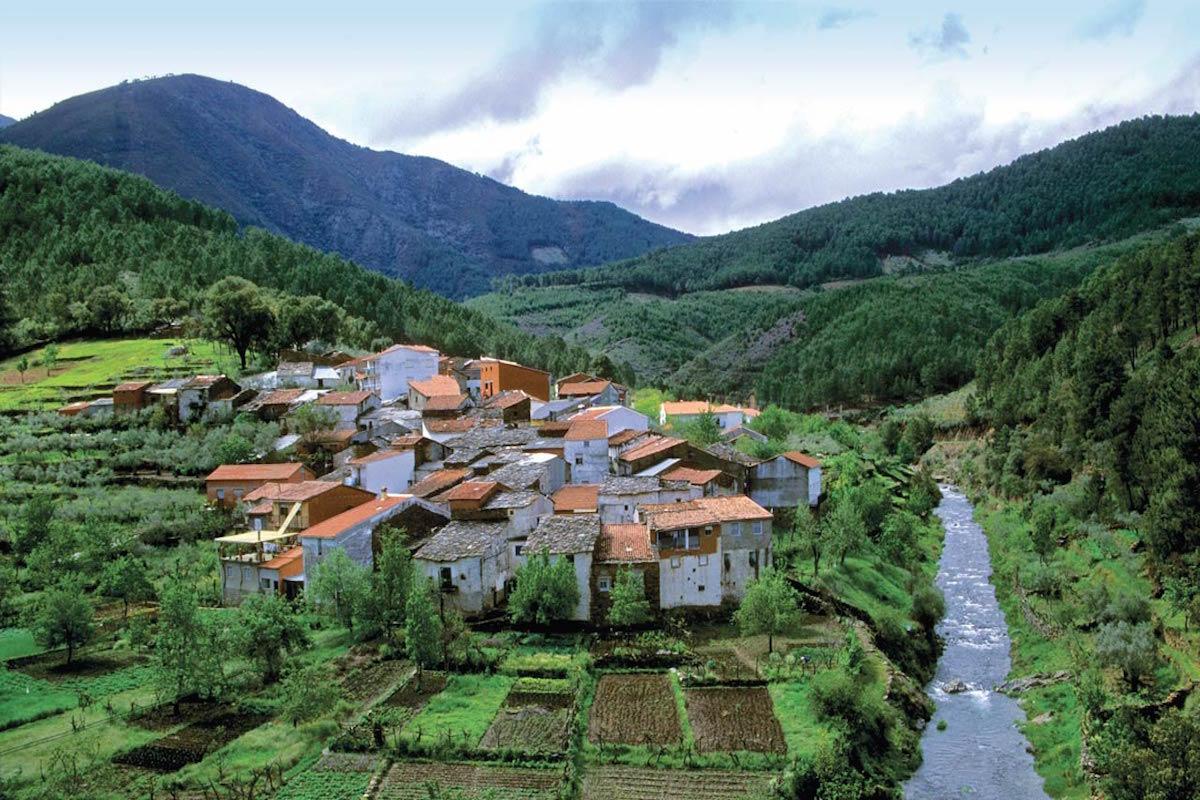 Vista de la alquería de Castillo, en el municipio de Pinofranqueado