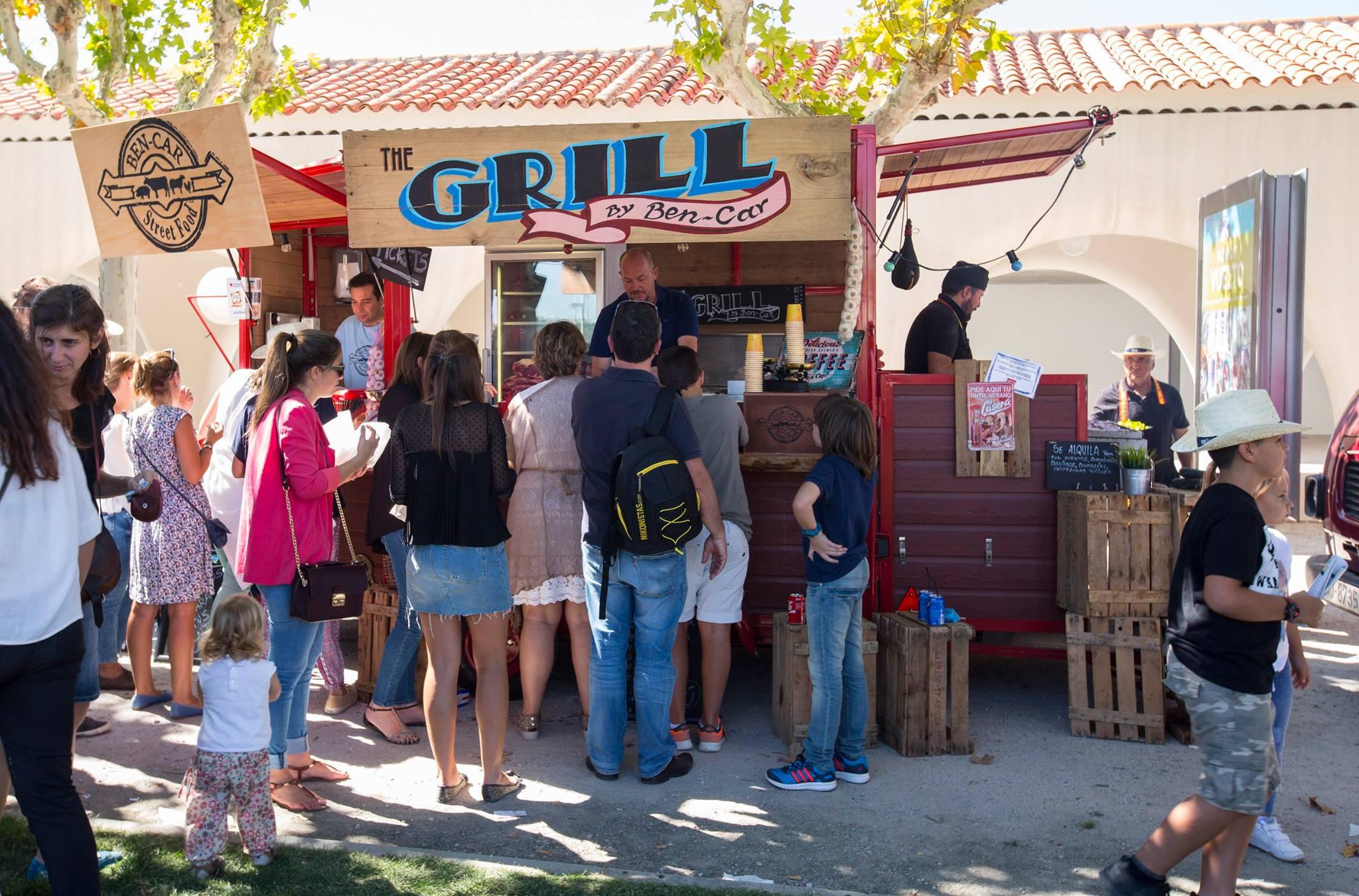 La hora de la comida también está prevista. Foto: Hipódromo de Madrid.