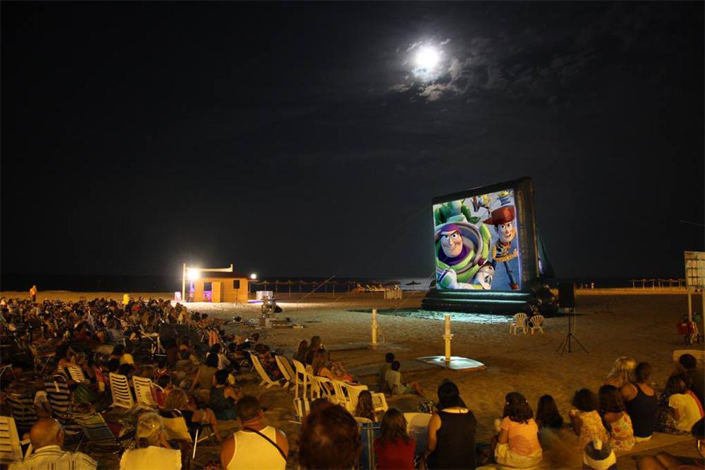 Buen cine a pie de mar. Foto: Platges València Turisme.