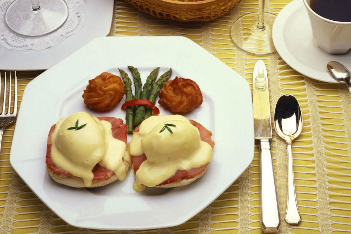 Los benedictine son los huevos clásicos de los brunch.