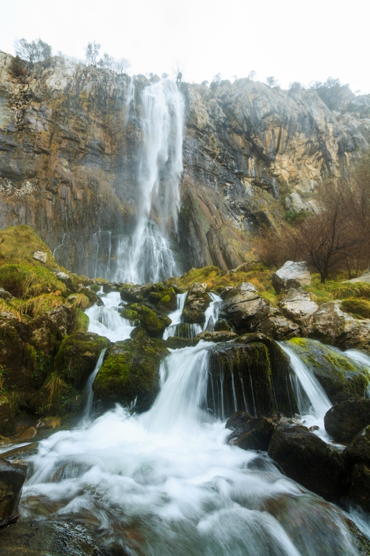 La cascada tiene un salto de 70 metros. Foto: shutterstock.