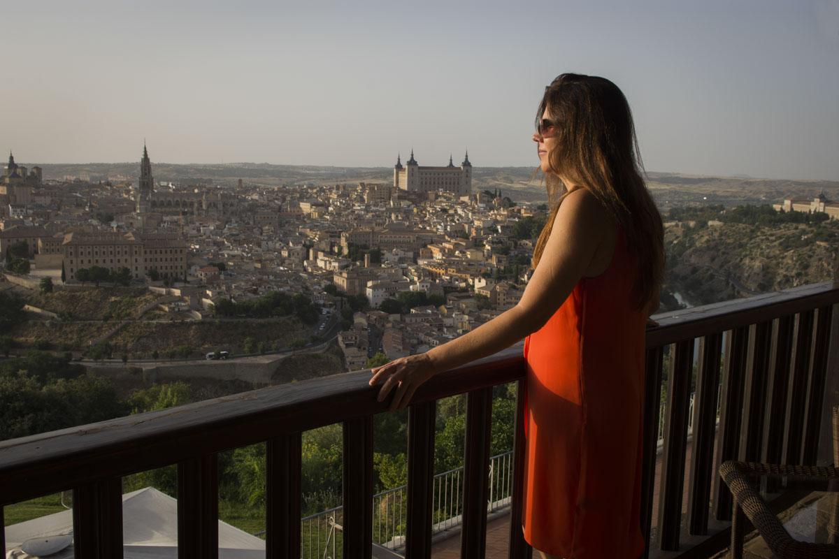 Desde la habitación 420, Toledo se presenta impresionante en el horizonte.