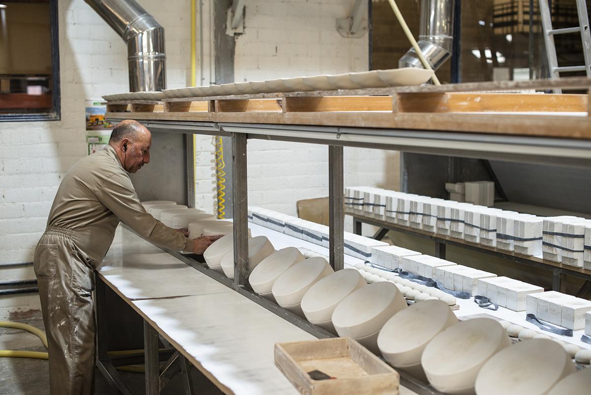 La porcelana requiere un cuidadoso proceso tras la producción.