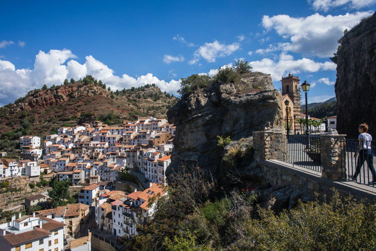 Vista de la localidad de Villahermosa del Río, próxima a la casa rural Mar de la Carrasca, en el parque natural de Peñagolosa, Castellón.