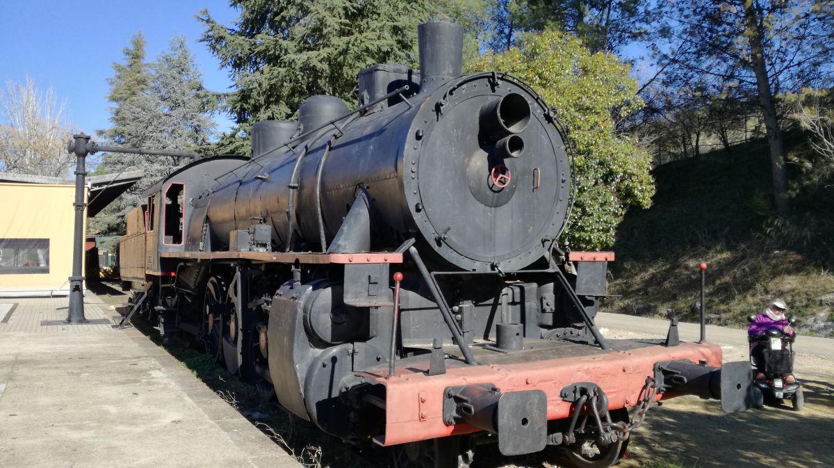 La locomotora del antiguo tren del aceite te espera en la estación de Cabra. Foto: Antonio Camacho.