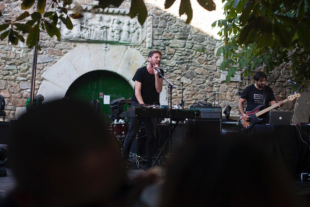Una de las actuaciones de Pantis en la emblemática Plaza de las Bárbaras. Foto: Festival Noroeste.