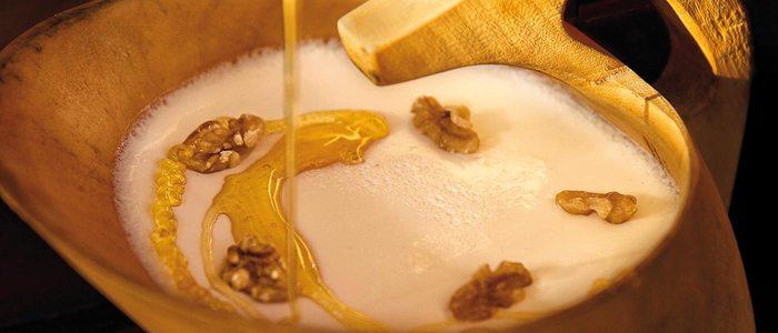 Cuajada de Ultzama con miel.