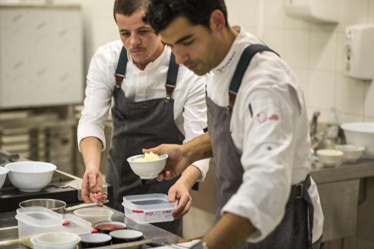 Durante un momento de la demostración ante los visitantes de Gastronomika.