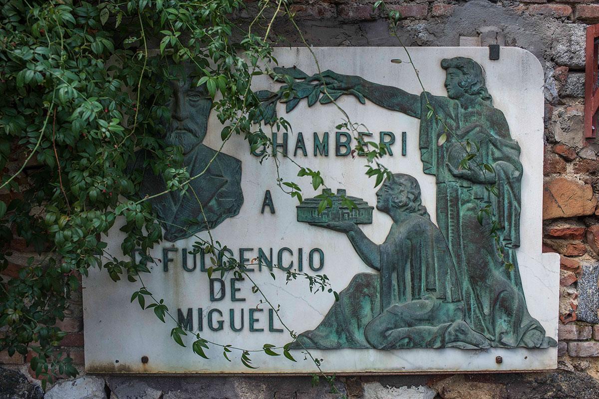 Inscripción a Fulgencio de Miguel