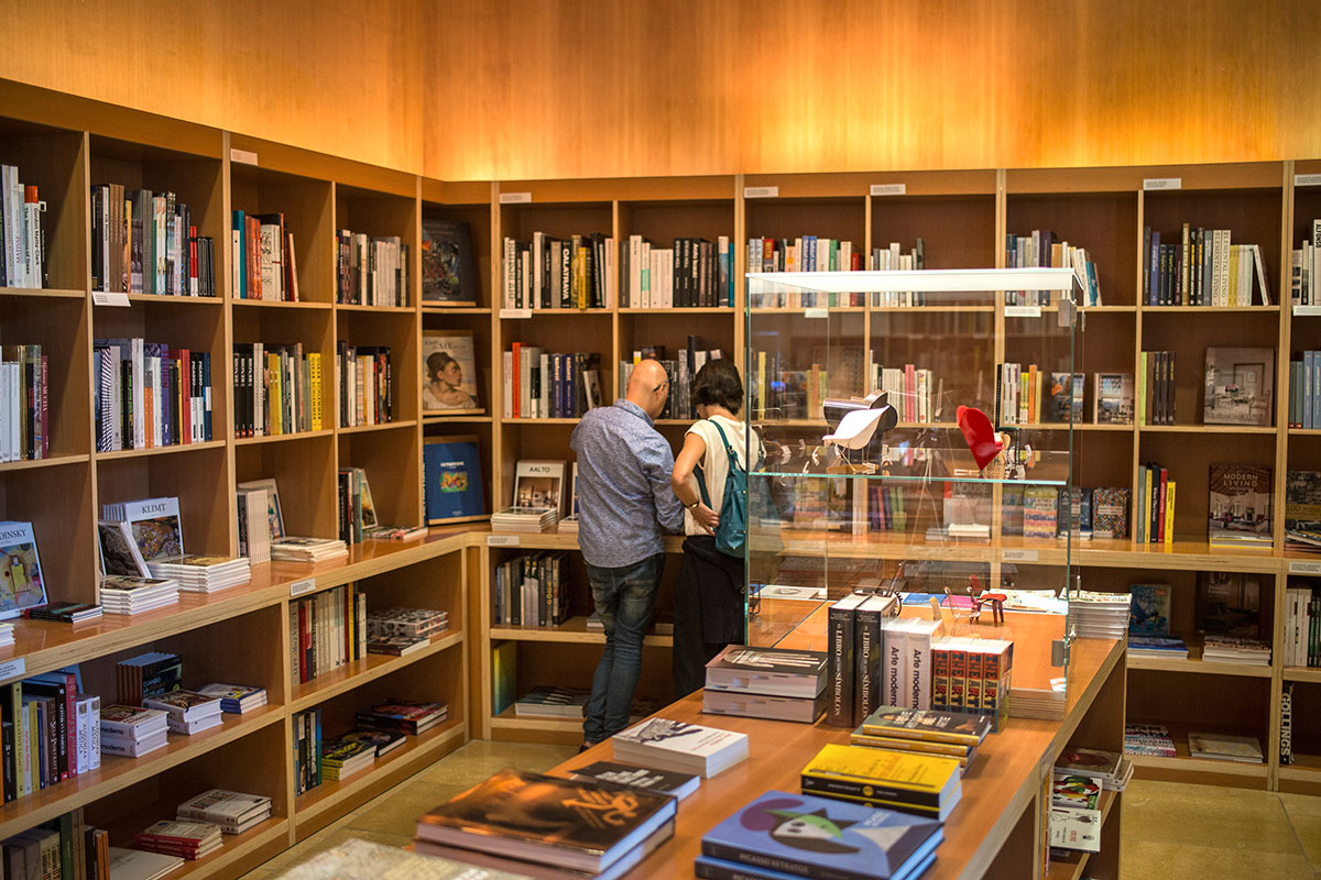 En la librería podemos encontrar todo tipo de libros especializados en arte.