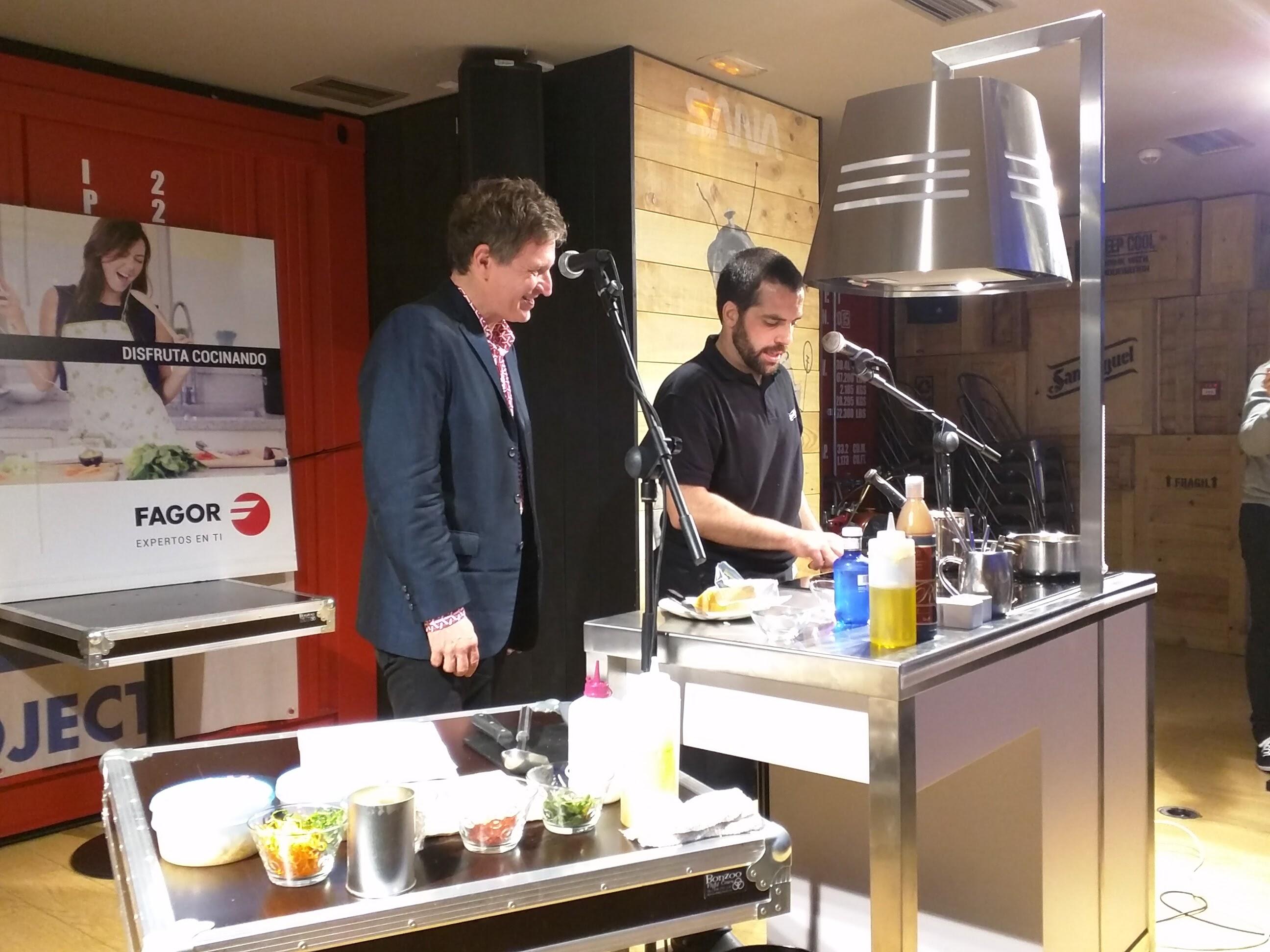El show cooking en Satélite T, donde participó este servidor.