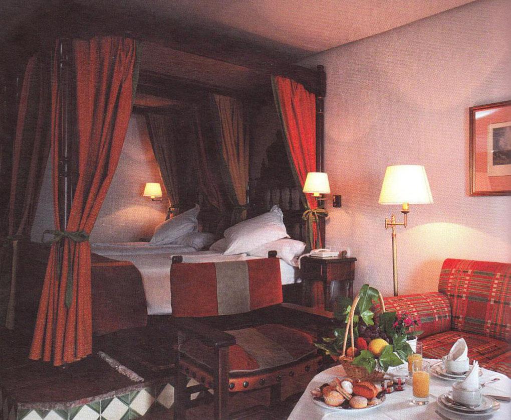 Habitación donde se hospedó Charles De Gaulle. Foto: Paradores.