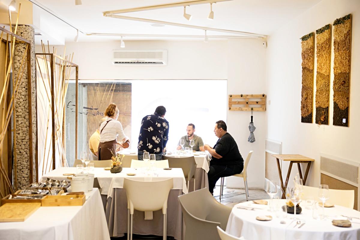 Toda la decoración del restaurante está inspirada en la naturaleza.
