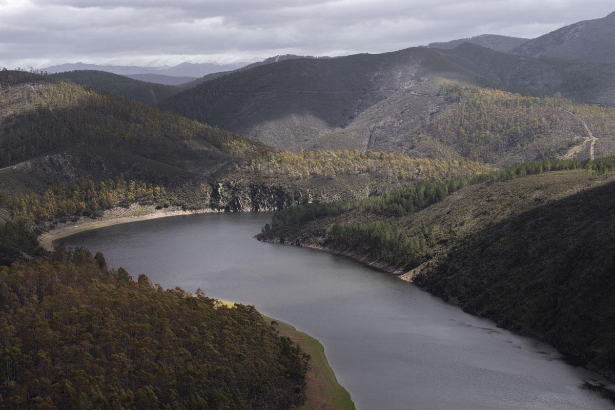 El río Alagón pavoneándose a su paso por Riomalo de Abajo.