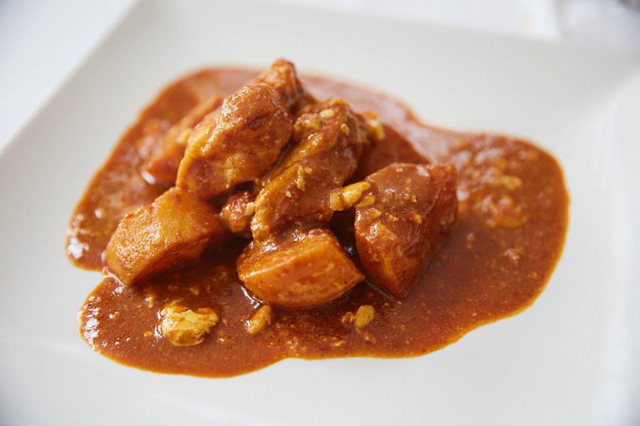 Restaurante 'Xaloc'. Plato: Rape con patatas y salsa romesco