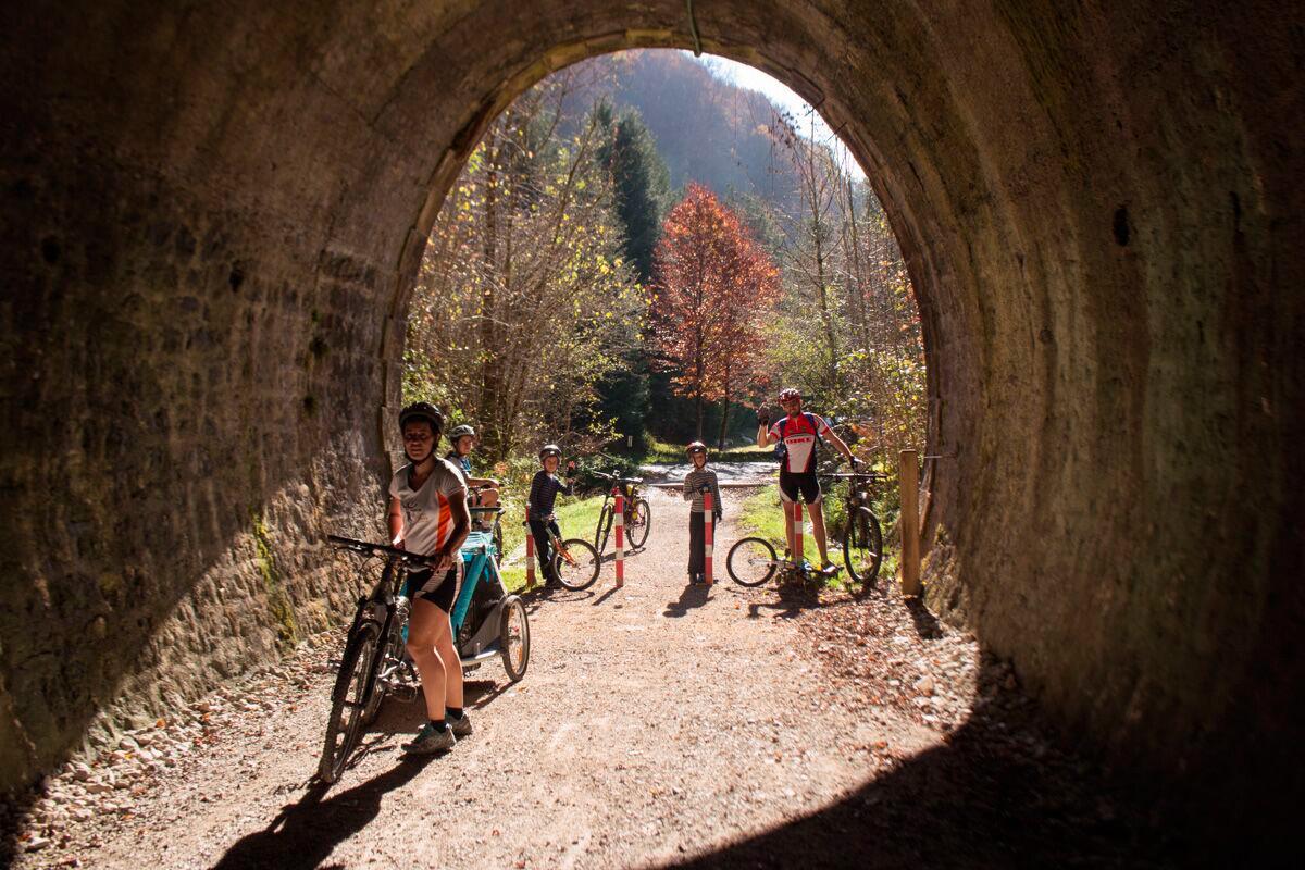 Plazaola: Túneles en la ruta. Foto: Pekebikers