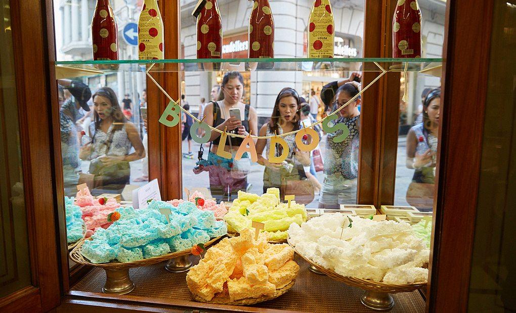 Una de las especialidades de 'La Colmena' son los Bolados (azúcar con colorante).