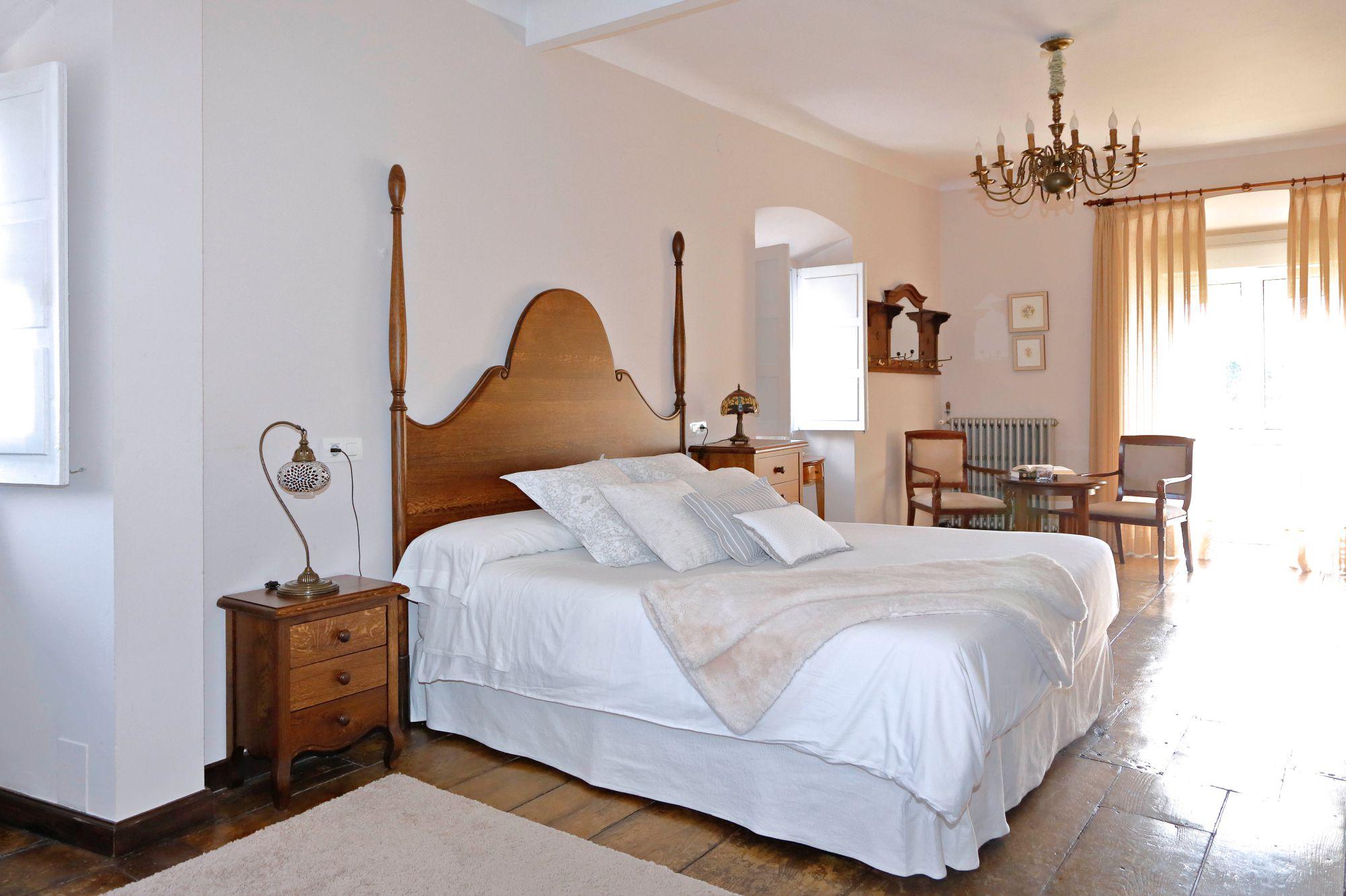La Casona de Amandi (Villaviciosa, Asturias): habitación principal