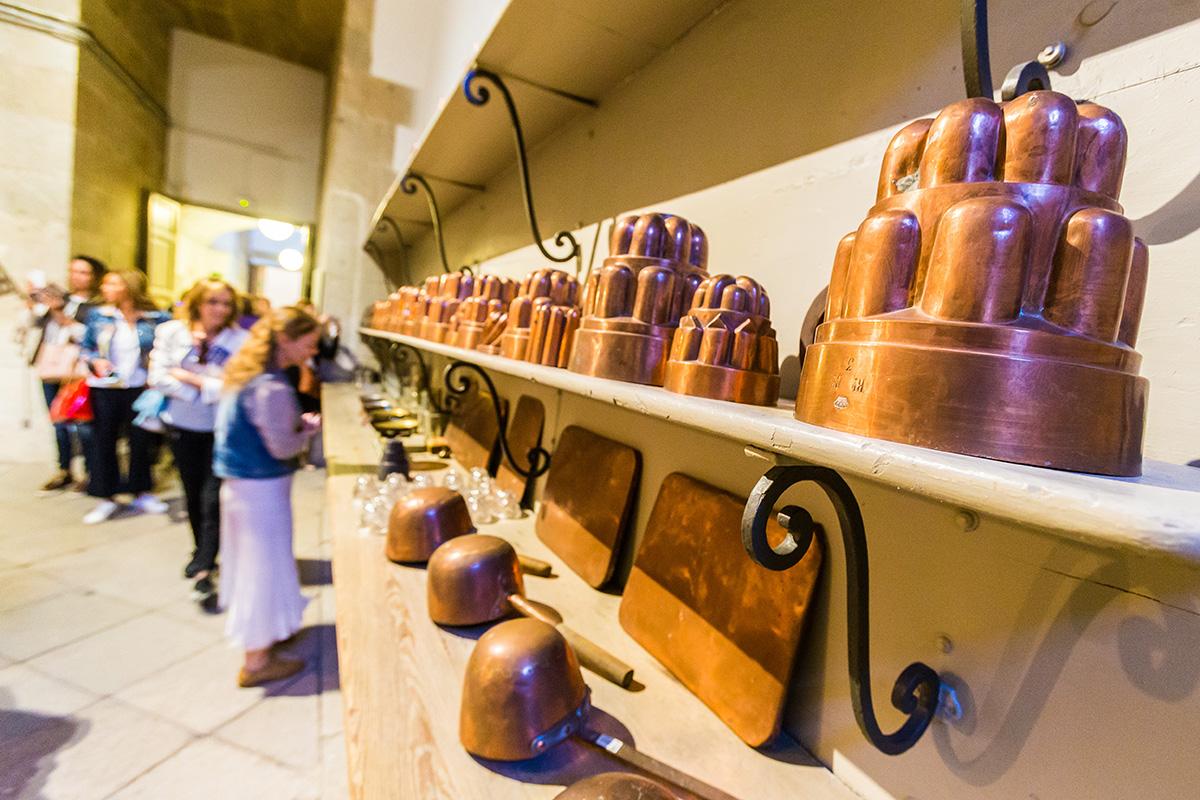 Cocinas Palacio Real: Moldes para repostería. Foto: Máximo García