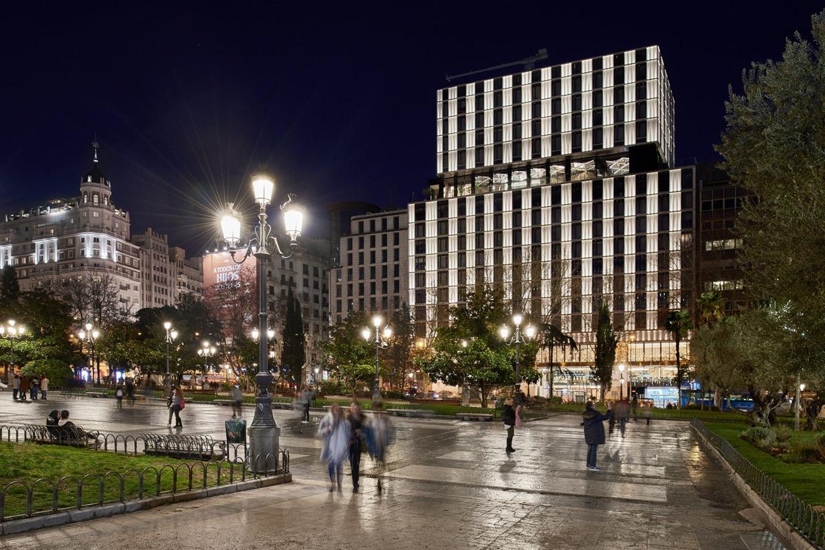 El nuevo hotel VP 'VP Plaza España Design', imponente construcción en la Plaza de España. Foto: Facebook 'VP Plaza España Design'