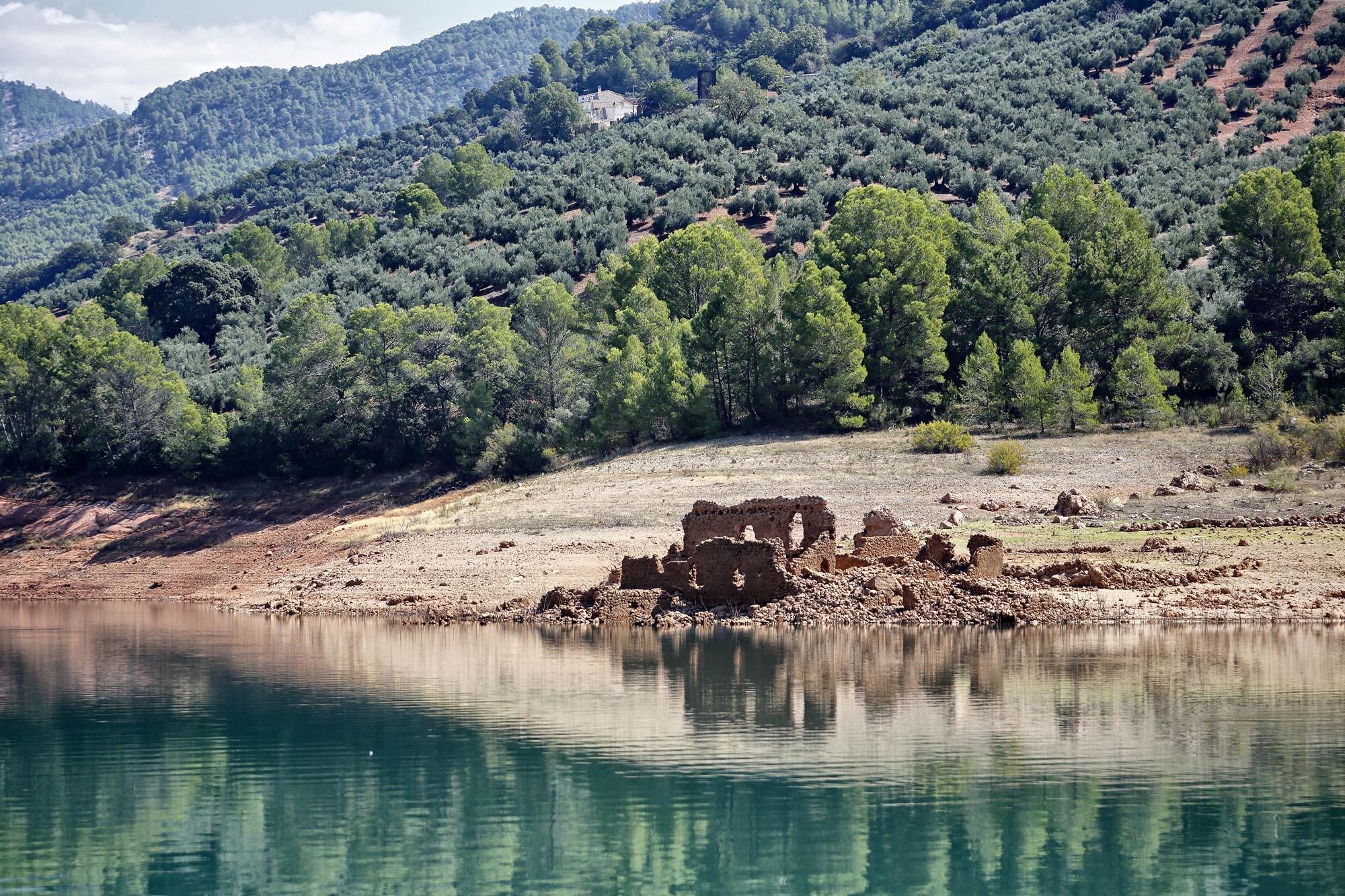Estas ruinas de un antiguo cortijo esconden bajo las aguas unas termas romanas.
