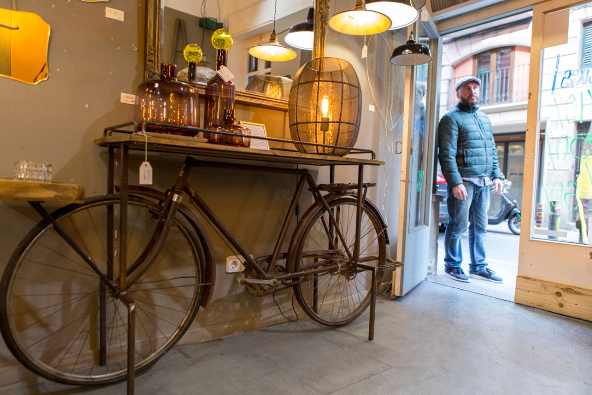 ¿Se te había ocurrido que tu vieja bicicleta sea ahora un mueble 'vintage'?