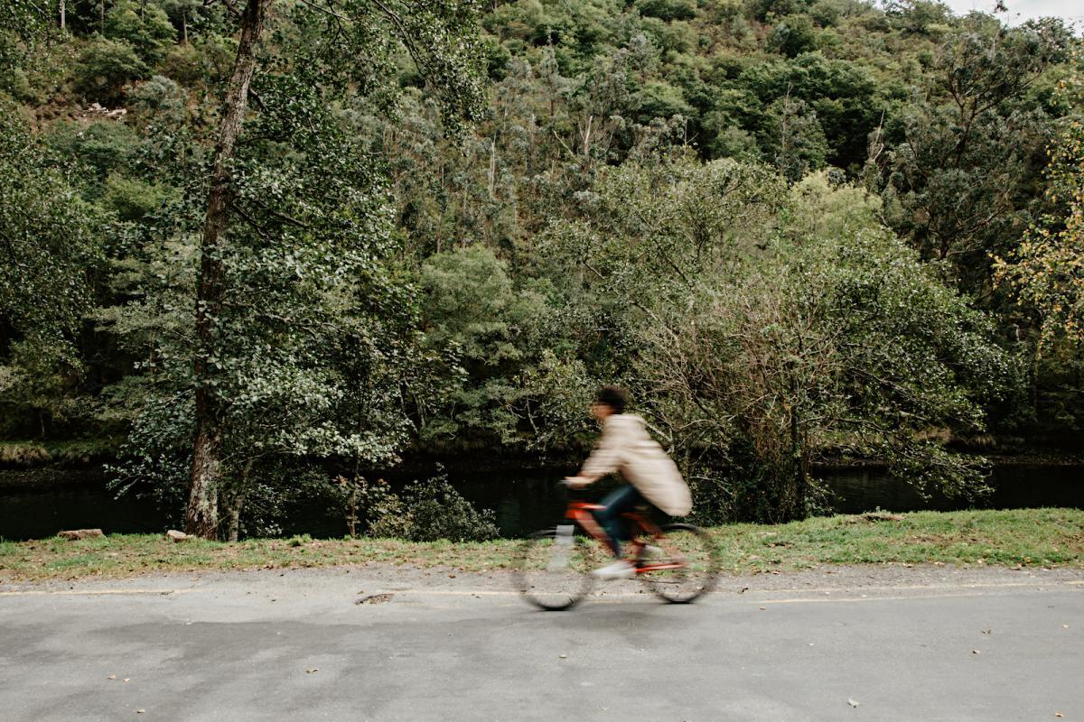 Pueden alquilarse bicis para recorrer algunas rutas.