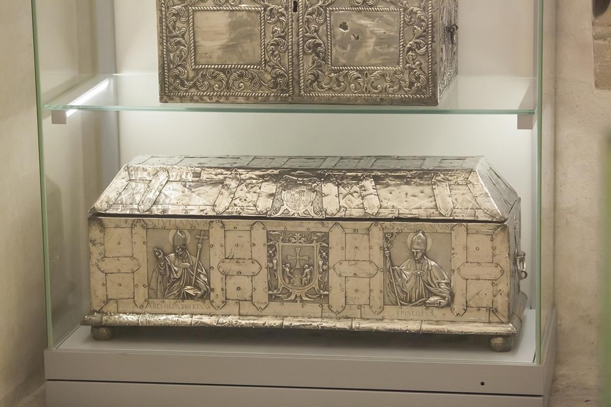 Las arcas del tesoro. Contenían, tesoros traídos desde Jerusalén, incluida leche de la virgen.