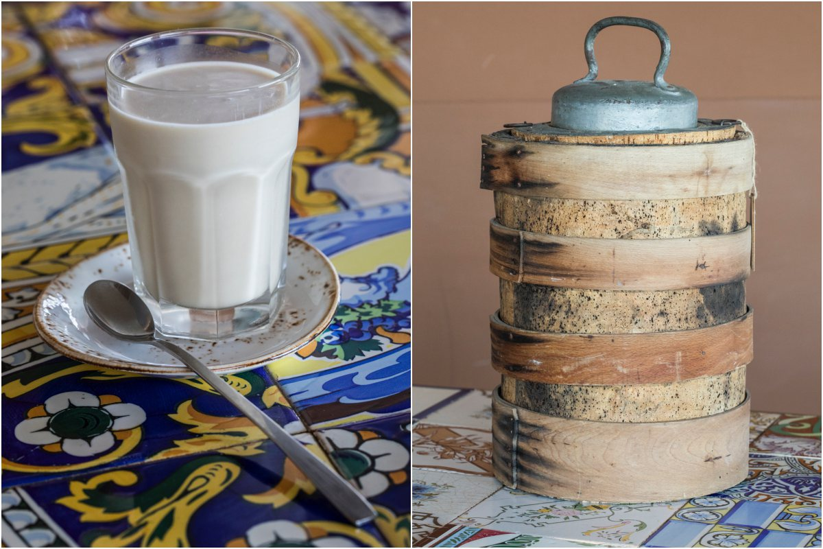 Un vaso de horchata y una nevera portátil de Sequer lo Blanc, en Alboraya, Valencia.