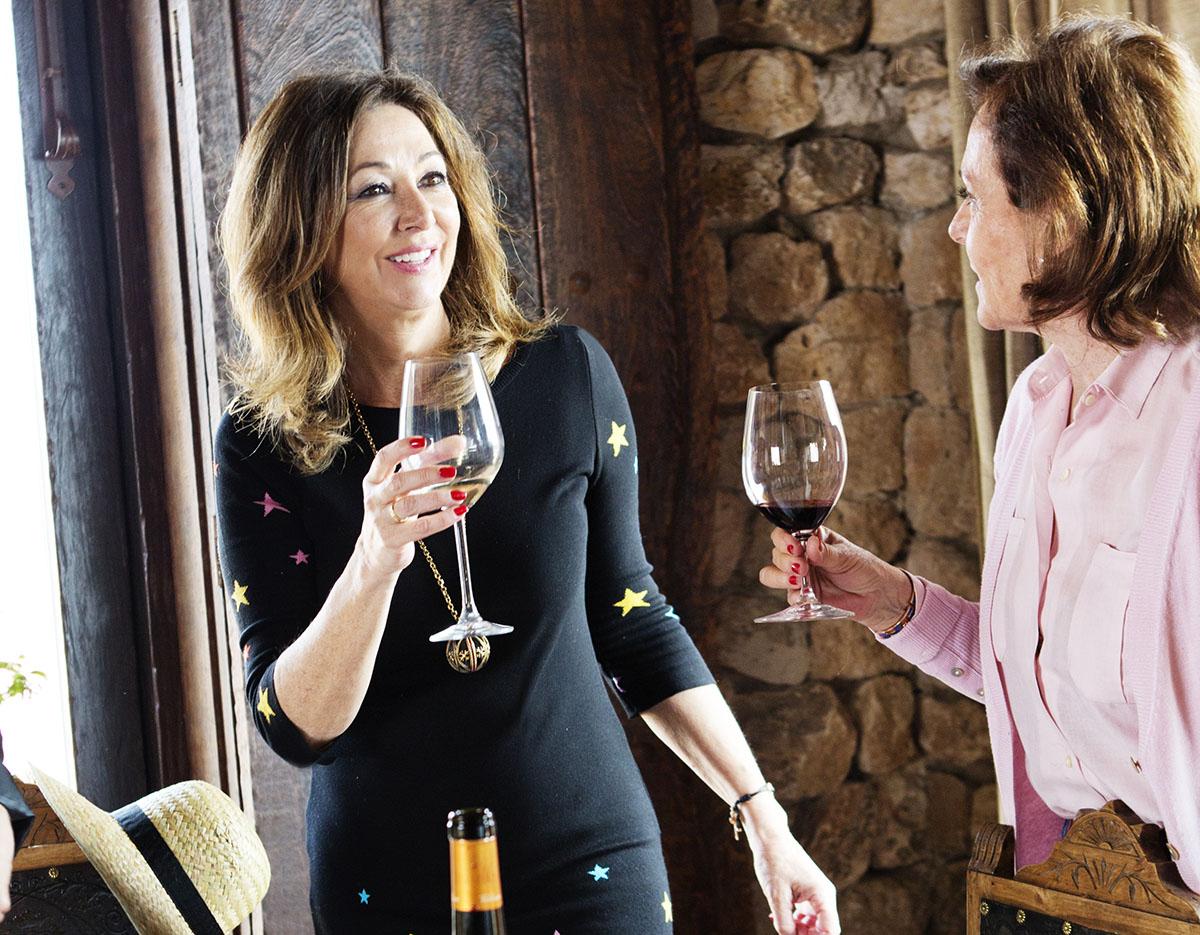 Ana Rosa Quintana en 'Bodegas Valduero'. Foto: Angélica Heras