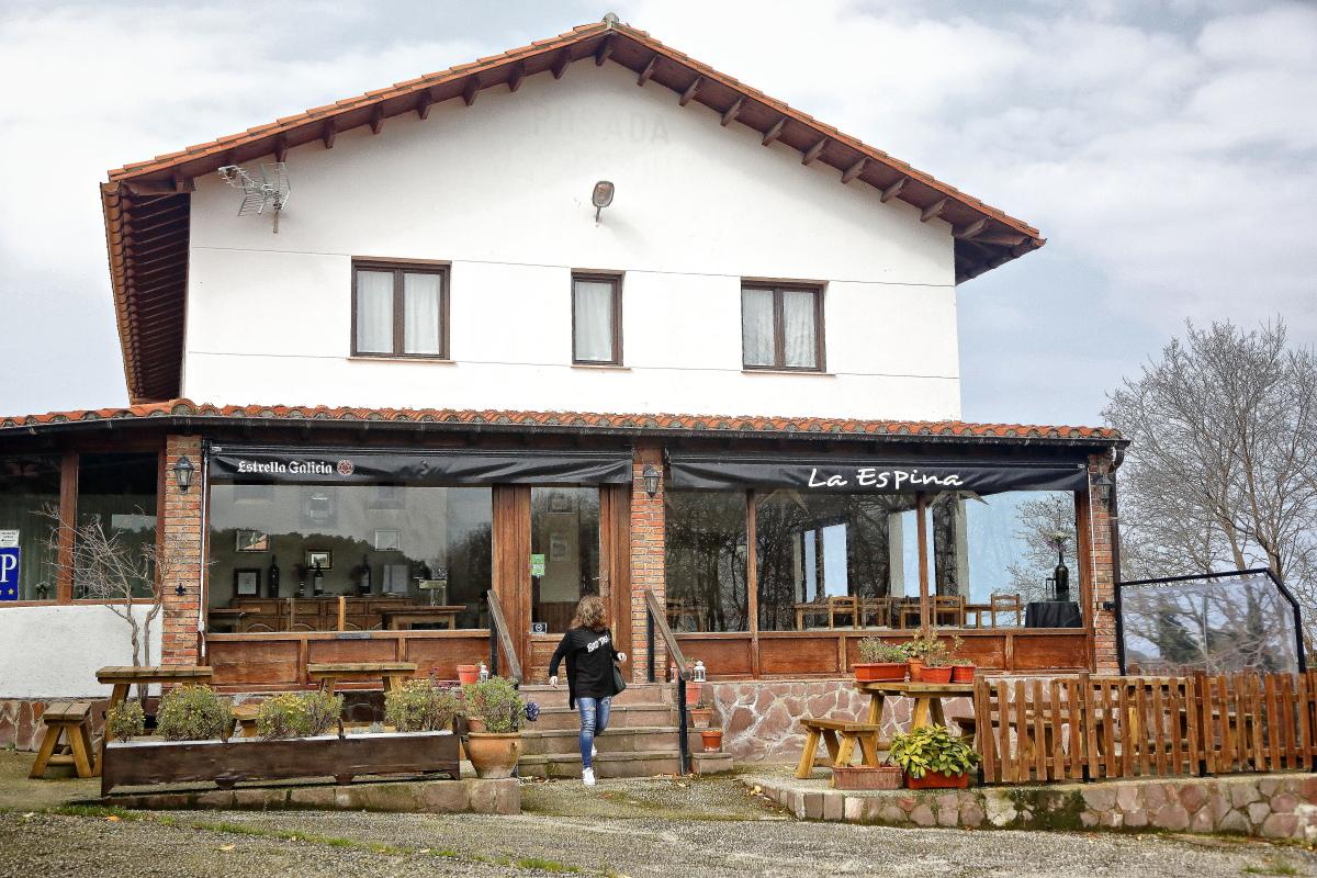 La Espina, el restaurante más sofisticado de Pechón, regentado por el ex cocinero del Teatro Real de Madrid.