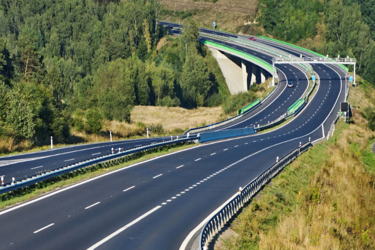El Gobierno bajará el peaje de autopistas en 'horas valle'.
