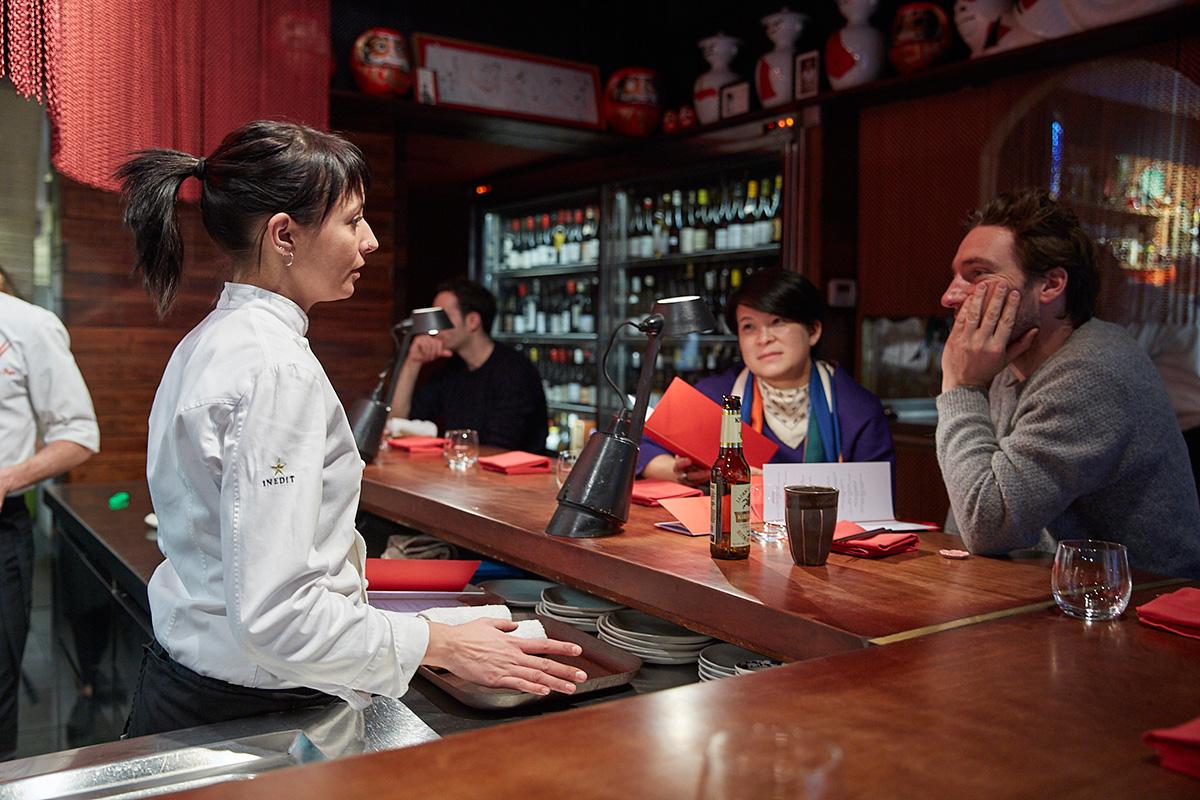 El local lleva diez años abierto en la Ciudad Condal, un auténtico referente de la cocina asiática.