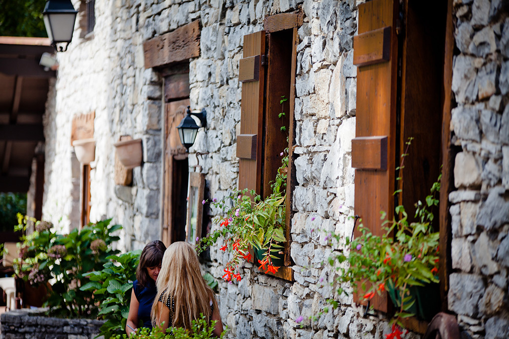 La fachada de piedra de Arroenia. Foto: Arroenia.