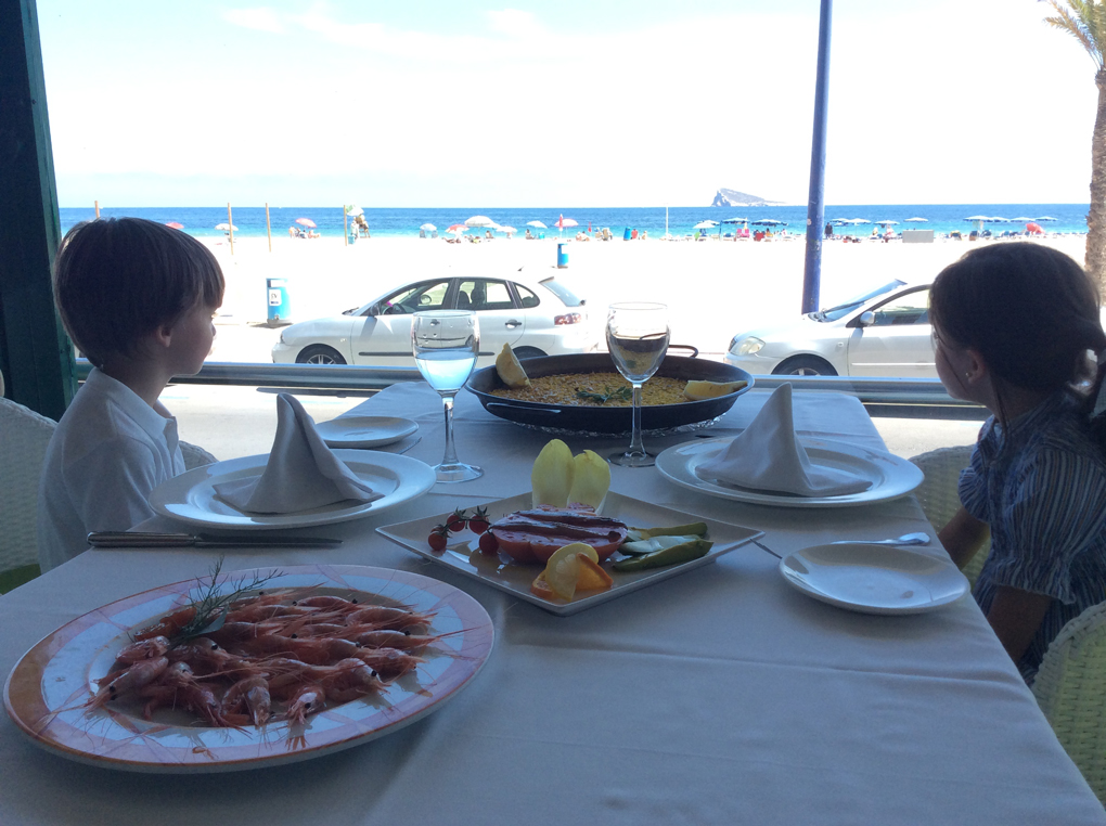 Restaurante 'Ulia', con vistas a la playa. Foto: Johanna Saldón.