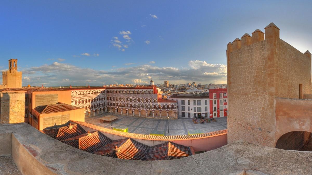 Vistas de la Alcazaba pacense.