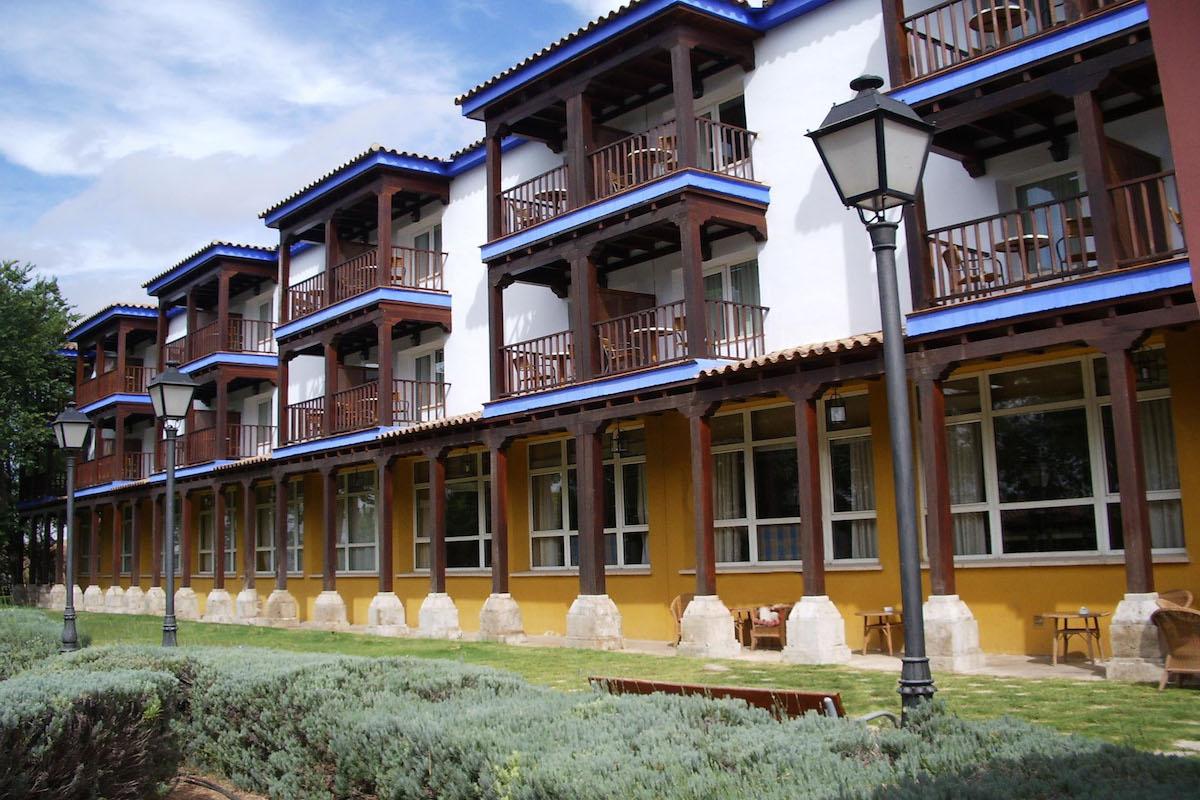 Balconadas del Parador de Manzanares.