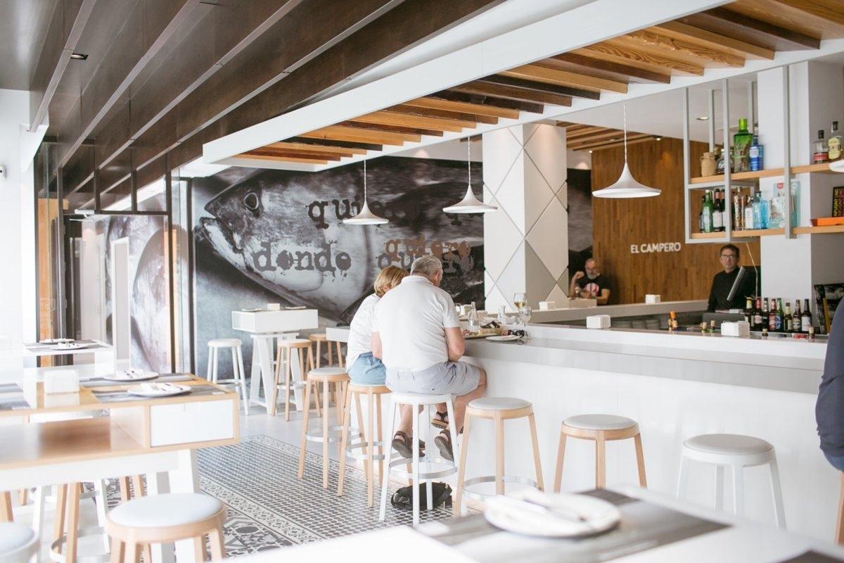 Los hígados de salmonete es el plato favorito de Canales en El Campero. Foto: Juan Carlos Toro.
