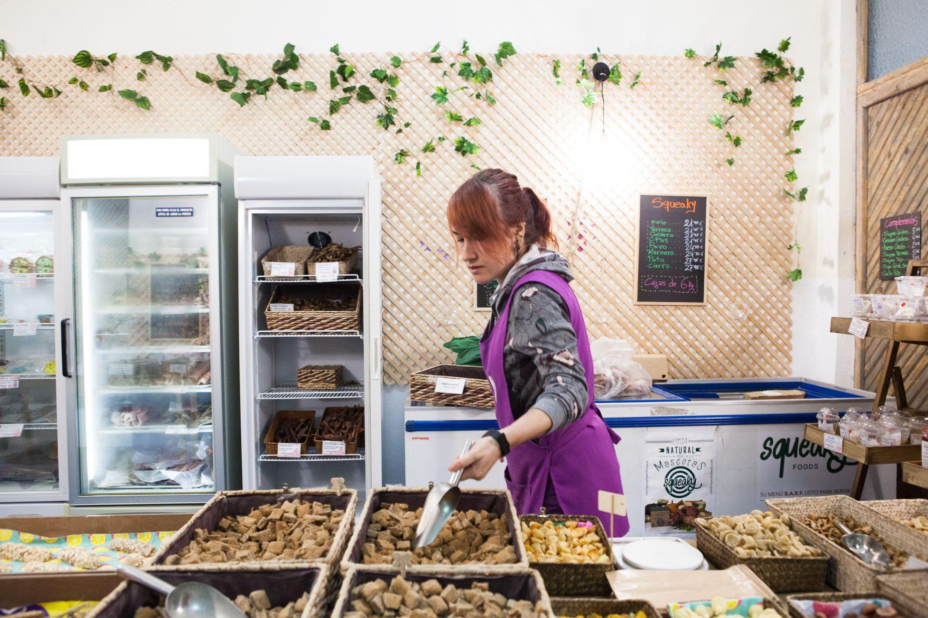 Tienda obrador 'Miguitas' (Madrid): Frutas deshidratadas y premios.